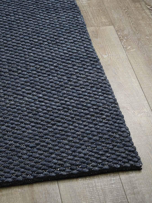 palmas midnight blue wool flat weave texture stans rug centre